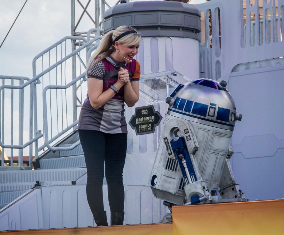 Ashley Eckstein & R2